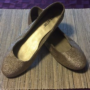 Shoes - Gold glitter 12 (US) ballet flats